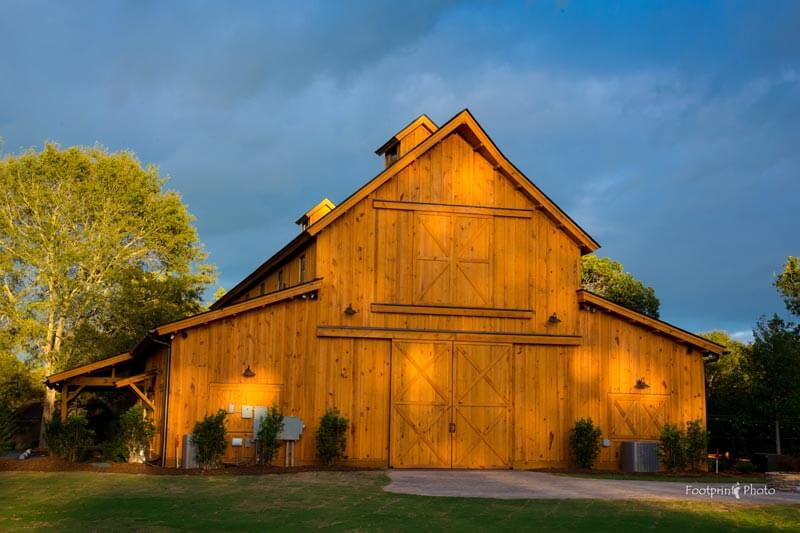 windy hill wedding and event barn exterior